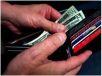 常見英文錯誤:There are two hundred dollars in my wallet. 我皮夾裡有兩百元