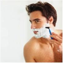 常見英文錯誤:He is shaving his beard. 他正在刮鬍子